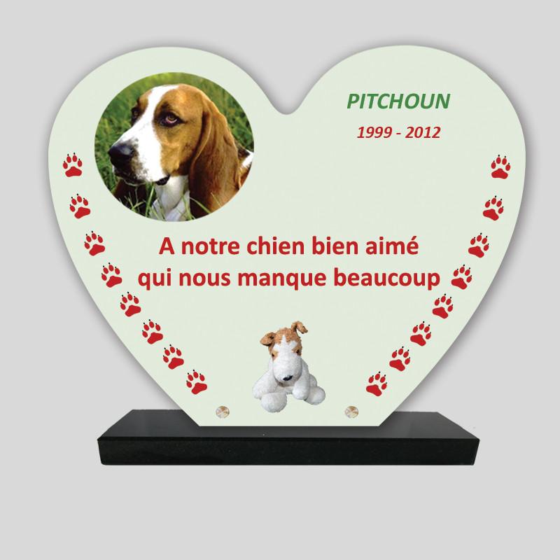 Plaque souvenir personnalisée animaux - Cœur beige avec peluche chien - sur socle en granit