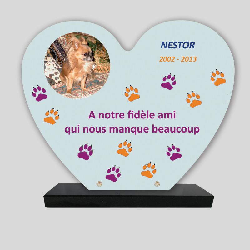 Plaque souvenir personnalisée animaux - Cœur clair pattes jaune et violettes - sur socle en granit