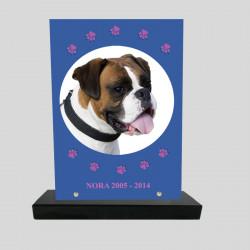 Plaque souvenir personnalisée animaux - rectangle bleu avec pattes roses dessinées - sur socle en granit