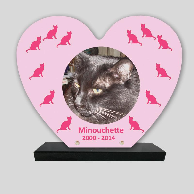 Plaque souvenir personnalisée animaux - Cœur rose avec chat roses - sur socle en granit