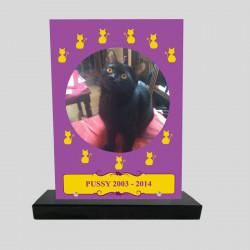 Plaque souvenir personnalisée animaux - rectangle mauve avec chats jaunes - sur socle en granit