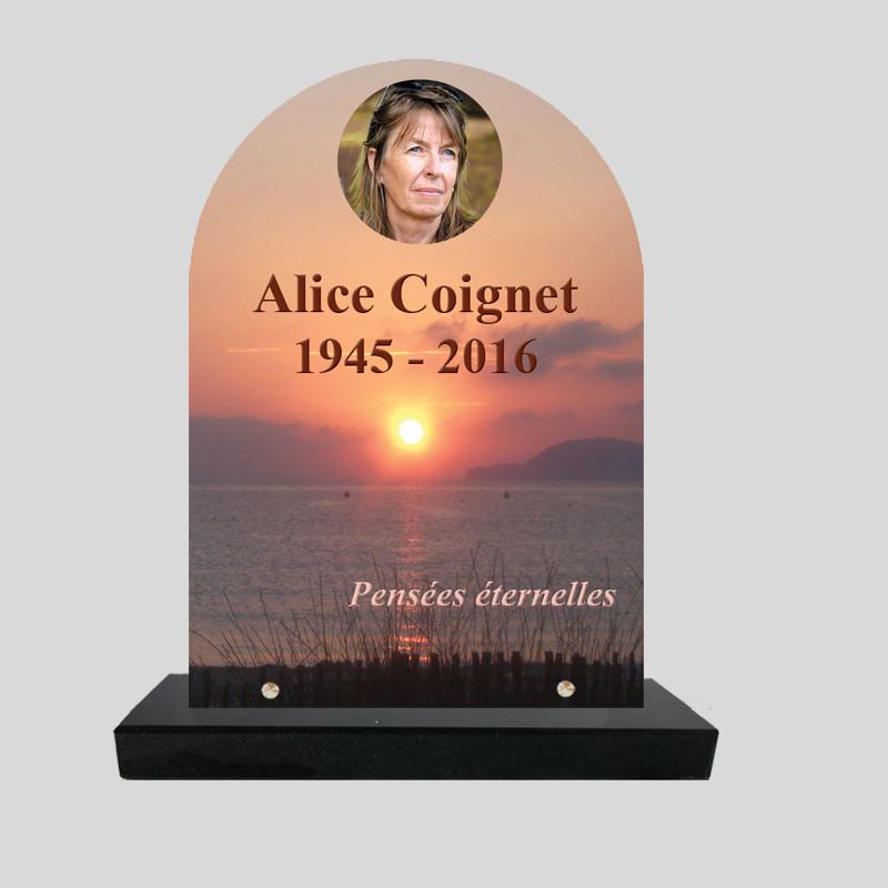Plaque funéraire personnalisée stèle- Coucher de soleil sur mer - sur socle en granit