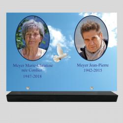 Plaque funéraire personnalisée 2 photos - Colombe sur ciel - sur socle en granit