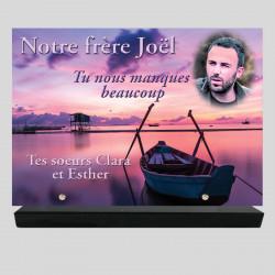 Plaque funéraire Rectangle personnalisée - Barque sur la mer - sur socle en granit
