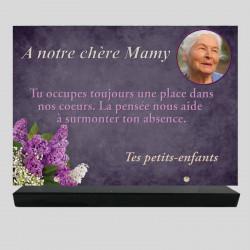 Plaque funéraire Rectangle personnalisée - Décor de lilas - sur socle en granit