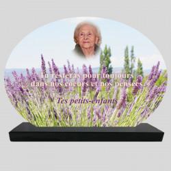 Plaque Funéraire Ovale personnalisée - Champs de lavandes - sur socle en granit