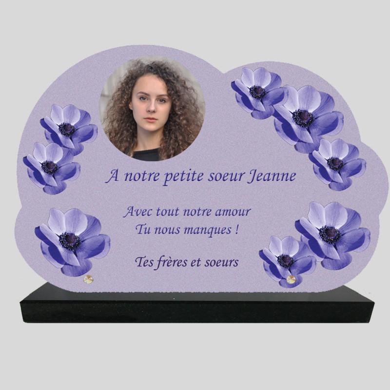 Plaque Funéraire Nuage personnalisée - Fleur d'Anémones - sur socle en granit