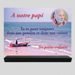 Plaque funéraire Rectangle personnalisée - Paysage de  bateau de pêche - sur socle en granit