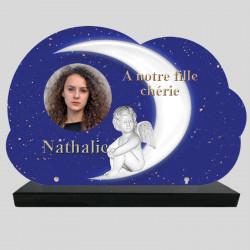 Plaque Funéraire Nuage personnalisée - Angelot sur la lune - sur socle en granit