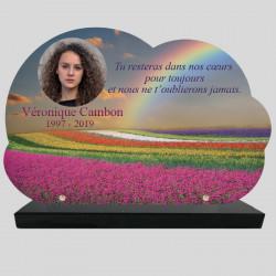Plaque Funéraire personnalisée Nuage - Champs de fleurs et arc-en-ciel - sur socle en granit