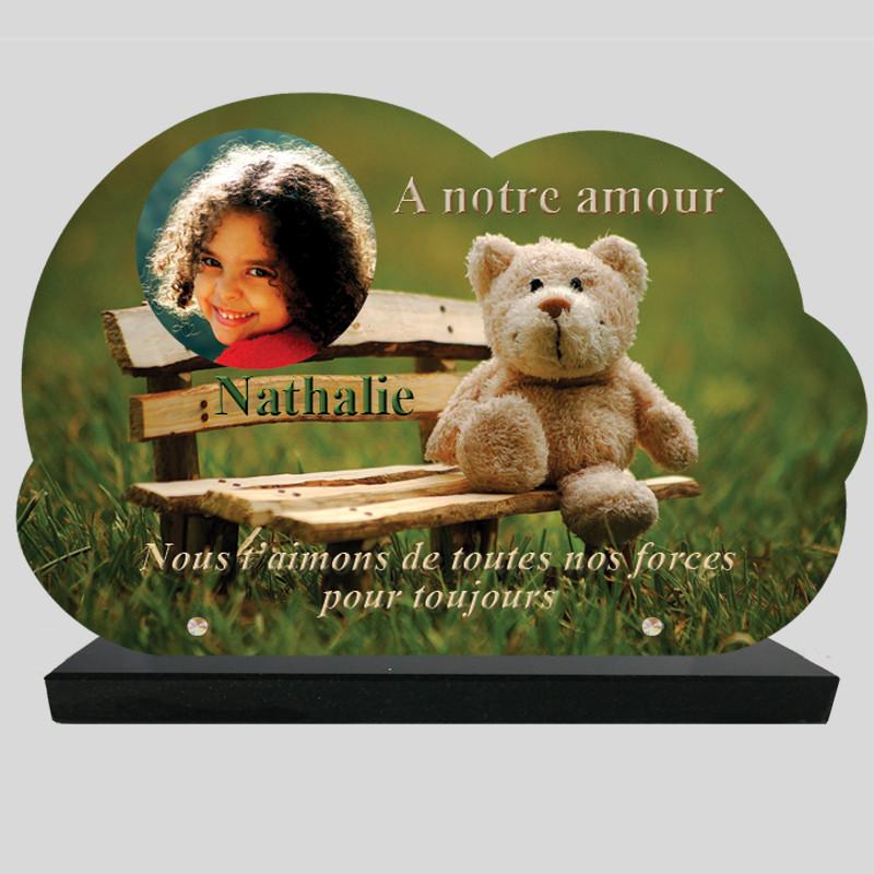 Plaque Funéraire personnalisée Nuage - Nounours sur banc - sur socle en granit