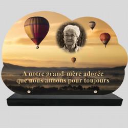 Plaque Funéraire personnalisée Nuage -  Montgolfière dans le ciel - sur socle en granit
