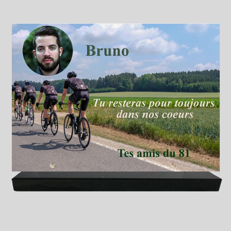 Plaque funéraire personnalisée Rectangle - Course de cyclistes - sur socle en granit