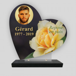 Plaque funéraire personnalisée Cœur - Décor roses jaunes - sur socle en granit